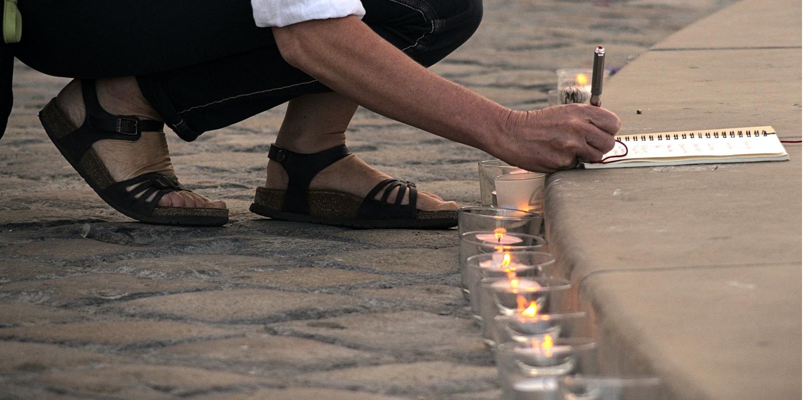Vendredi 10 Juillet à 20h: Veillée de deuil collectif